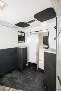 Equihunter Arena 3.5 Tonne Horsebox Full Height Bulkhead