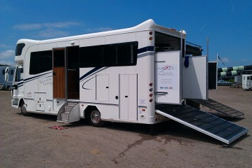 Equihunter Endurance 7.5 Tonne Horsebox