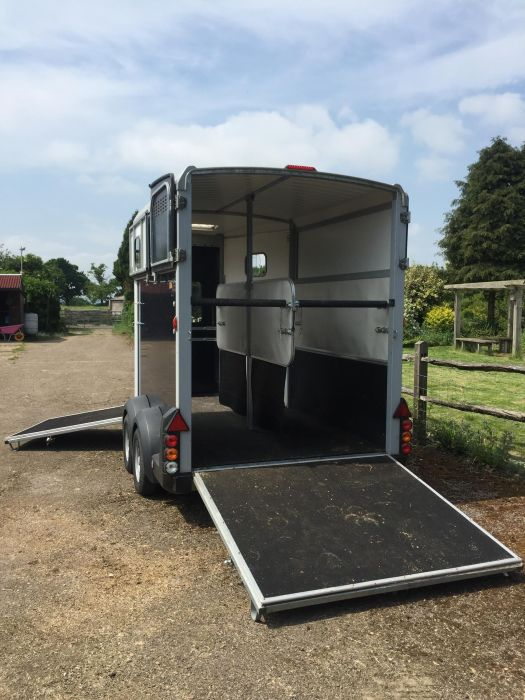 Ifor Williams HB511 Double Horsebox Trailer