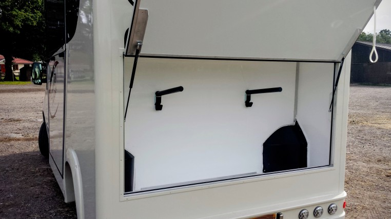 The Equihunter Aurora 3.5t & 3.9t Horsebox