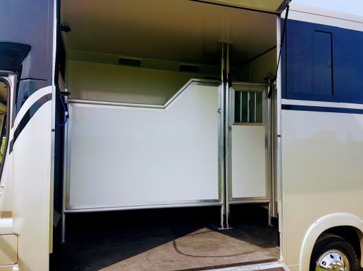 Equihunter Arena 3.5 Tonne Horsebox in Metallic Champagne Gold